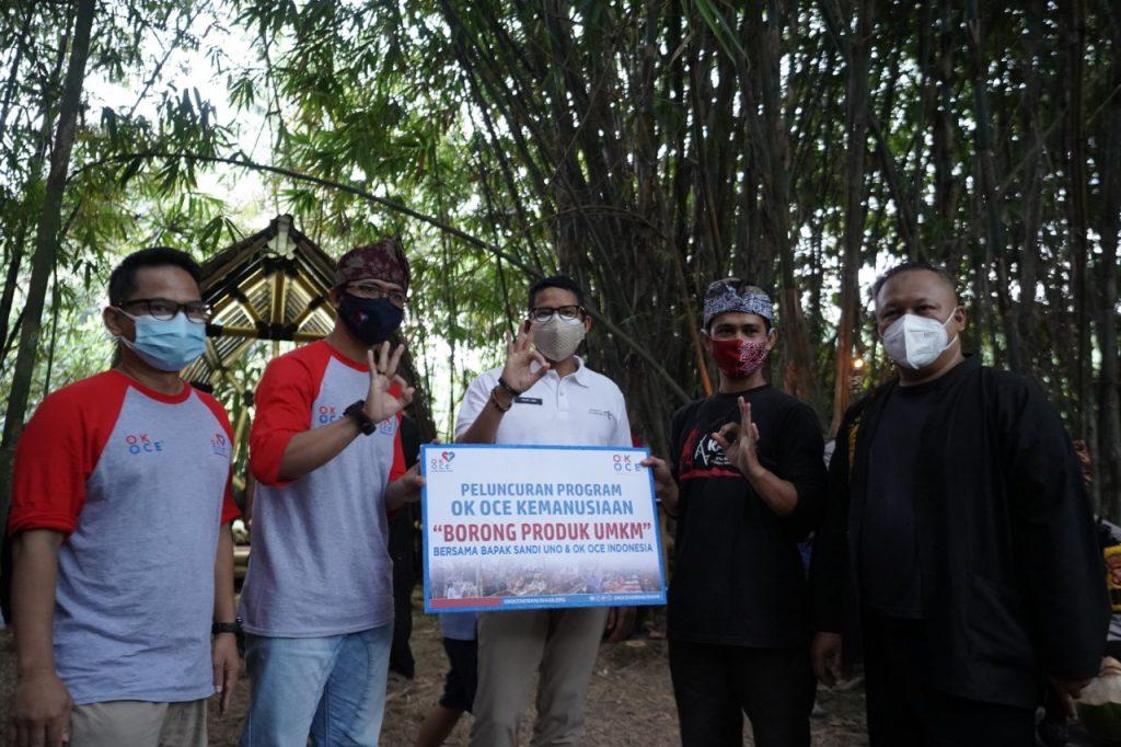 Bersama OK OCE Kemanusiaan, Sandiaga Borong Produk UMKM di Sukabumi